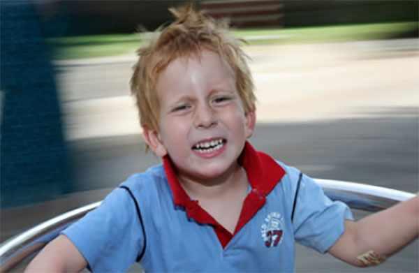 У ребенка закружилась голова от катания на качеле