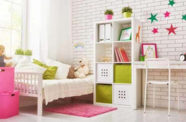 Кровать, стол, стул, комод, шкаф