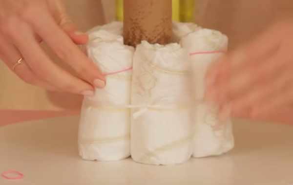 С подгузников стягивают резинки