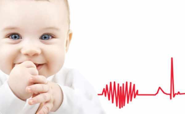 Грудной ребенок и схематическое изображение биения сердца