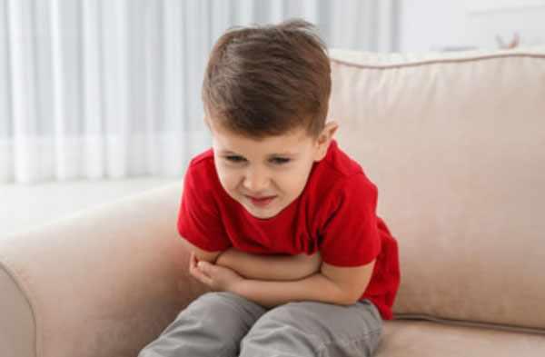 Мальчика скрутило от боли в животе