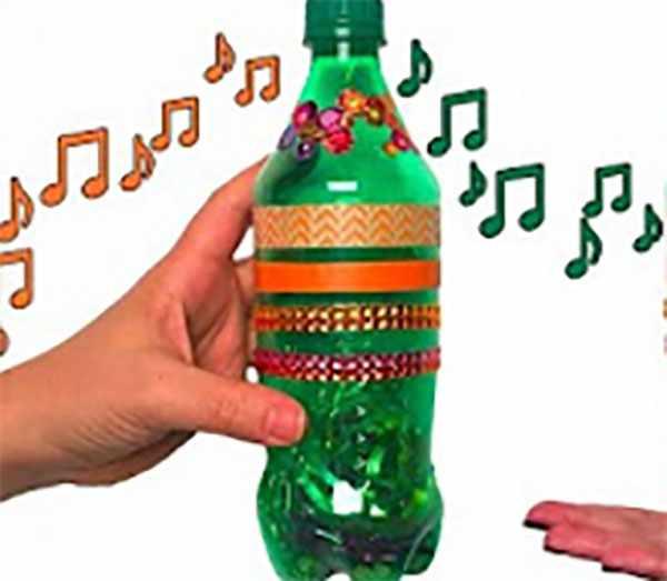 Погремушка из бутылки