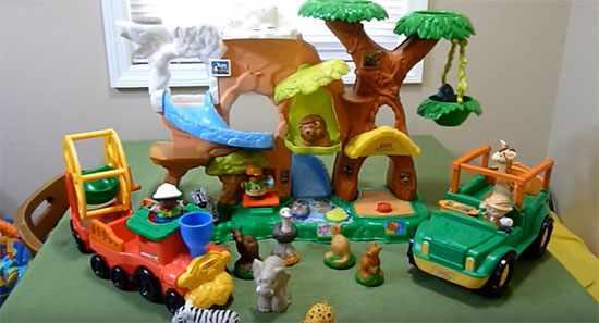 Набор игрушек для двухлетнего ребенка
