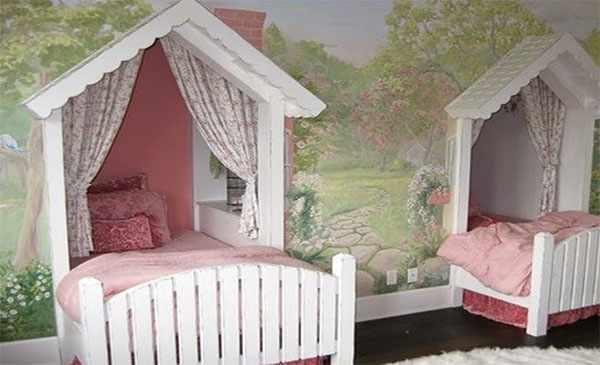 Кровати, встроенные внутрь стены