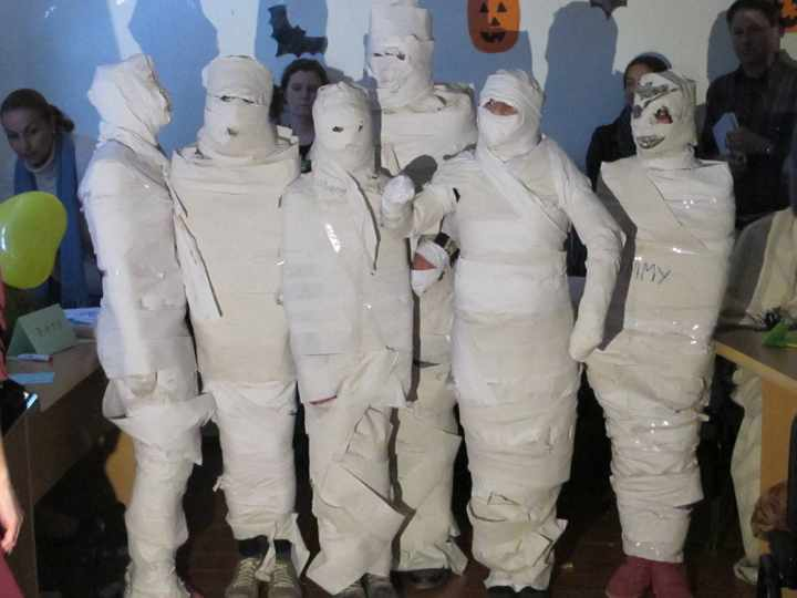 Детские конкурсы на день рождения в домашних условиях с туалетной бумагой