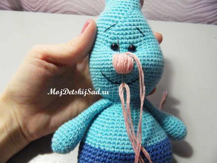 Нос у вязаной игрушки