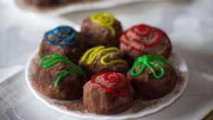 Пирожное картошка со сгущенкой и печеньем