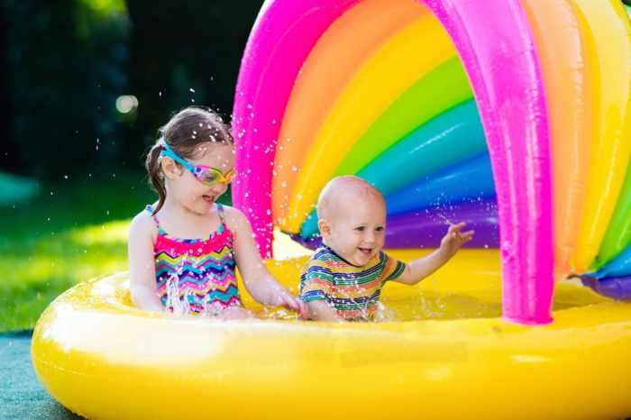 Бассейн с козырьком для ребенка