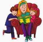 Няня читает книжку детям
