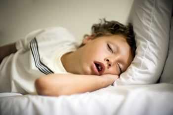 Ребенок сильно храпит во сне