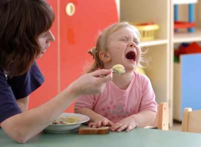 Ребенок не ест в садике