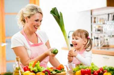 Готовим на кухне вместе с малышами