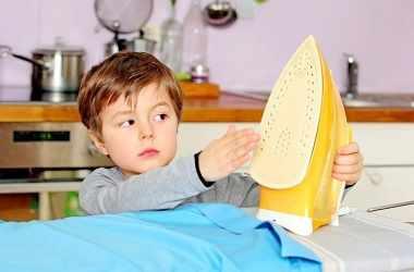 Как уберечь маленького ребенка от ожогов