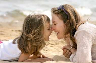 Первые годы: полезные советы молодым мамам