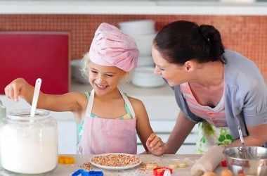 Как готовить еду вместе с малышом