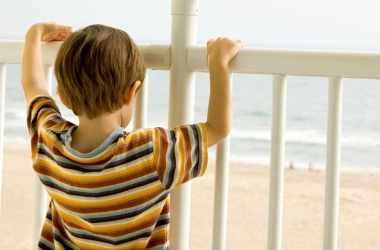 Как уберечь детей от серьезного падения