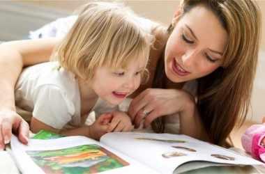Почему в детстве так важно слушать сказки?