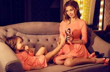 Влияние матери на мнение дочери о красоте