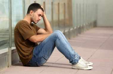 Почему подростки причиняют себе вред