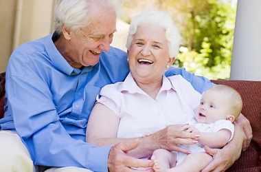 Уроки ухода за детьми для бабушек и дедушек
