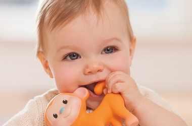У ребенка режутся зубы: советы родителям