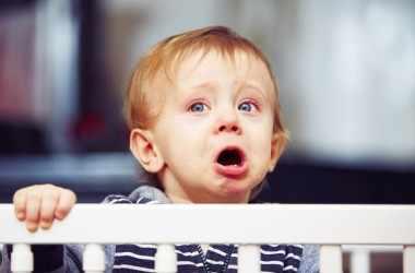 Почему плачут малыши: мнение экспертов