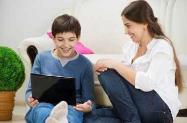 Как оставаться в курсе дел ребенка: советы родителям