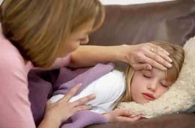 Первые опасные симптомы менингита у детей
