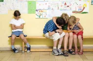 Как быть, если ребенка отвергли сверстники